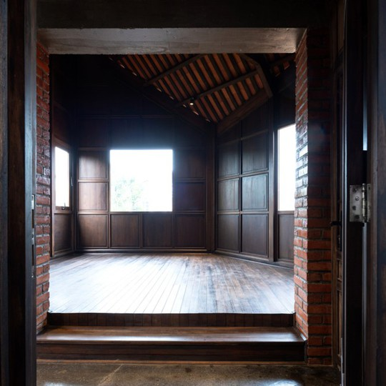Ngôi nhà như ruộng mấp mô đạt giải vàng kiến trúc Việt Nam - Ảnh 7.