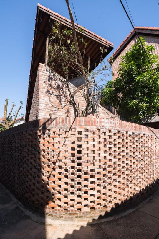 Ngôi nhà như ruộng mấp mô đạt giải vàng kiến trúc Việt Nam - Ảnh 9.