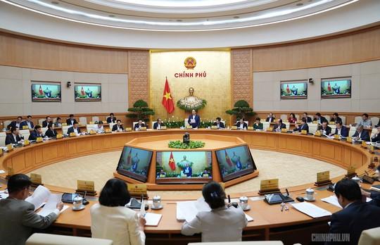 Họp Chính phủ, Thủ tướng nhắc vụ chùa Ba Vàng, bạo hành nữ sinh lớp 9 - ảnh 2