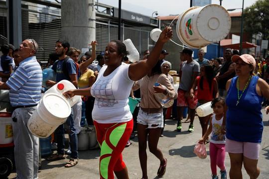 Venezuela căng thẳng vì điện, nước - Ảnh 1.