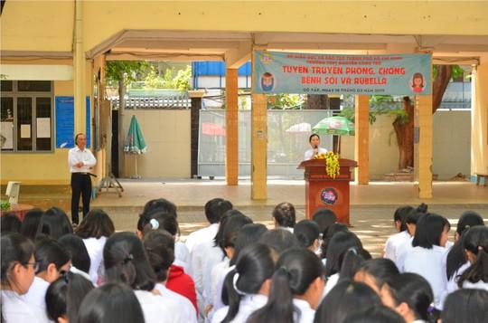 TP HCM: Một giáo viên bị tố nâng điểm nhiều môn cho học sinh - ảnh 1
