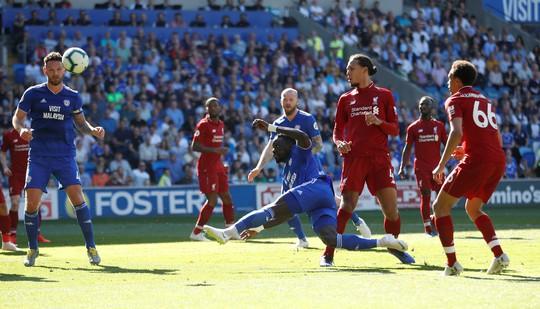 Liverpool đòi lại ngôi đầu bảng, Arsenal thua thảm sân nhà - Ảnh 2.