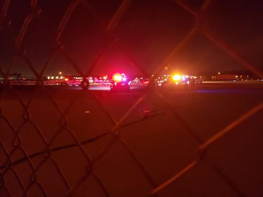 Máy bay lộn ngược đâm xuống đất, phi công tử vong - Ảnh 2.
