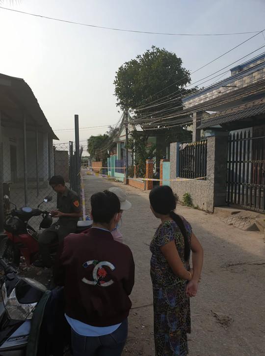 Vu tham sat 3 nguoi o Binh Duong Bi an con dao gay o hien truong
