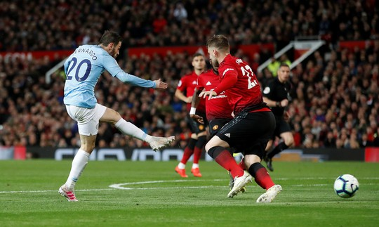 Hạ gục Man United trận derby, Man City tiến sát ngôi vô địch - Ảnh 4.