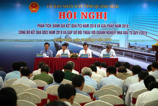 Chỉ số PCI giảm 16 bậc, Quảng Ngãi thừa nhận có nhũng nhiễu, vòi vĩnh - Ảnh 1.