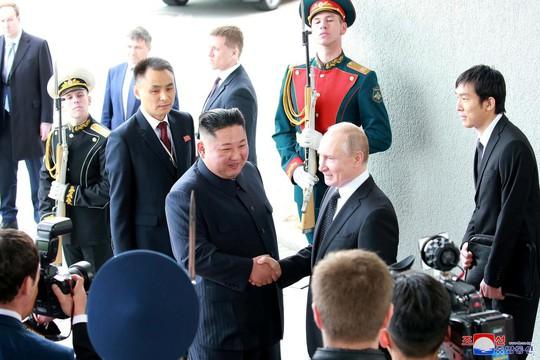 Ông Kim Jong-un: Hòa bình bán đảo Triều Tiên phụ thuộc vào thái độ của Mỹ - Ảnh 1.