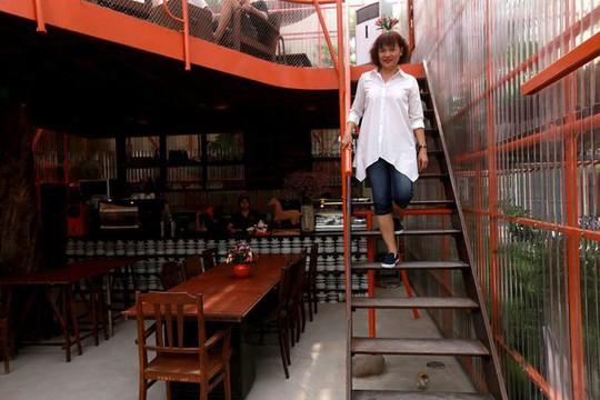 Độc lạ quán cà phê giàn giáo, khách tò mò ở TP HCM - Ảnh 10.