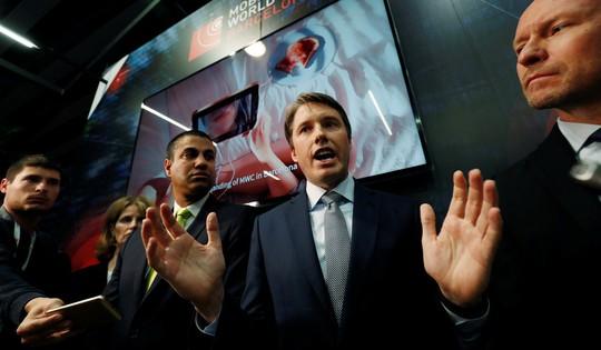 Mỹ quyết chặn đường Huawei tại Anh - Ảnh 1.