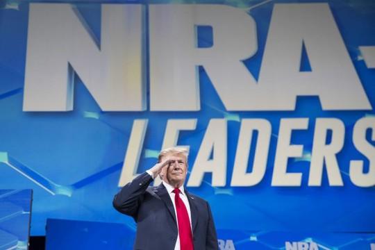 Rút Mỹ khỏi hiệp ước vũ khí quốc tế, ông Donald Trump bị chỉ trích - Ảnh 1.