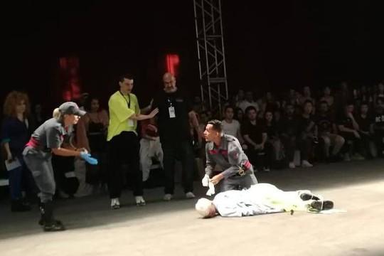 Người mẫu đột tử trên sàn diễn - Ảnh 3.