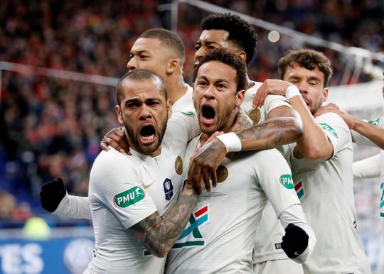Neymar tái xuất, Mbappe nhận thẻ đỏ, PSG mất cúp - Ảnh 2.