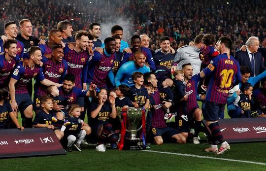 Messi rực sáng, Barcelona lên ngôi bá chủ La Liga - Ảnh 6.