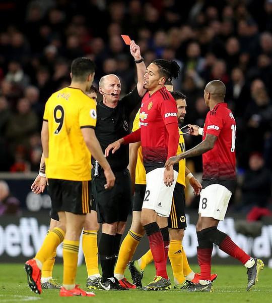 Vua thẻ ra oai, Man United gục ngã trước Wolverhampton - Ảnh 5.
