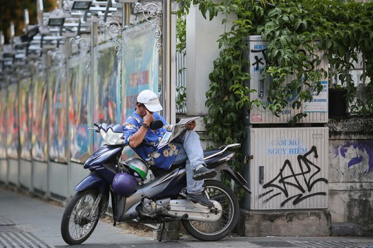 Toàn cảnh đường phố TP HCM ngày 30-4 - Ảnh 10.