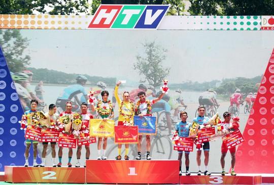 Giải đua xe đạp tranh Cúp Truyền hình: TP HCM hoàn tất cú ăn ba - Ảnh 3.