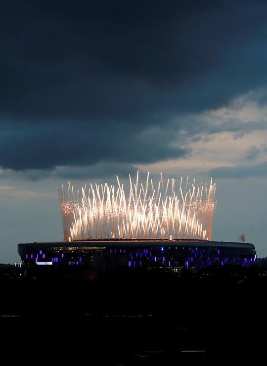 Cận cảnh sân mới trị giá hơn 1 tỉ bảng Anh của Tottenham - Ảnh 5.