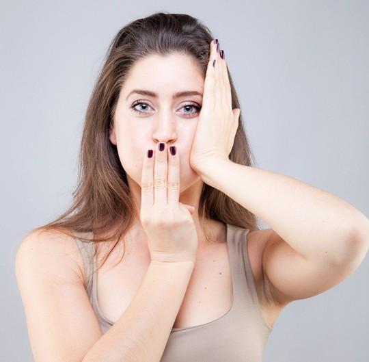 Bài tập yoga giảm béo mặt, xóa mờ nếp nhăn thần kì - Ảnh 3.