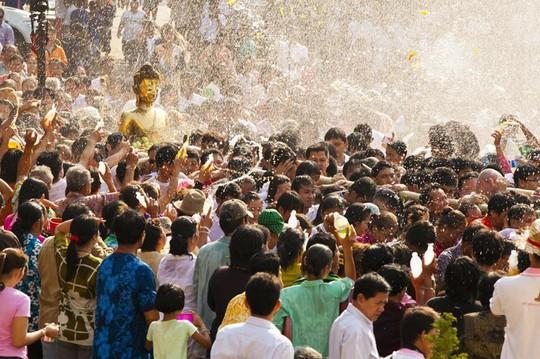 5 điểm đến lý tưởng trong lễ hội té nước ở Thái Lan - Ảnh 4.