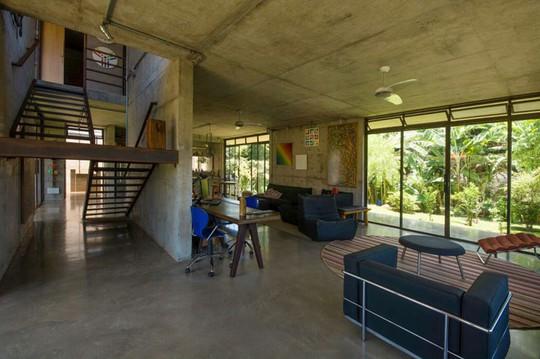 Ngôi nhà 2 tầng làm bằng bê tông đúc sẵn - Ảnh 5.