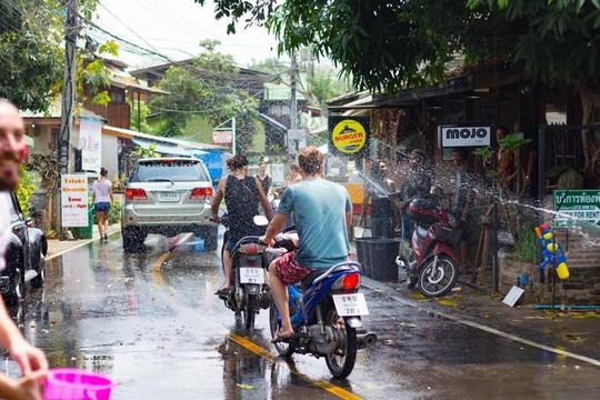 5 điểm đến lý tưởng trong lễ hội té nước ở Thái Lan - Ảnh 6.