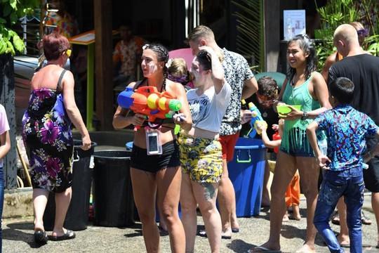 5 điểm đến lý tưởng trong lễ hội té nước ở Thái Lan - Ảnh 7.