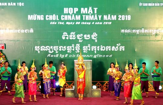 Thủ tướng kêu gọi đồng bào Khmer tích cực xây dựng nông thôn mới - Ảnh 1.