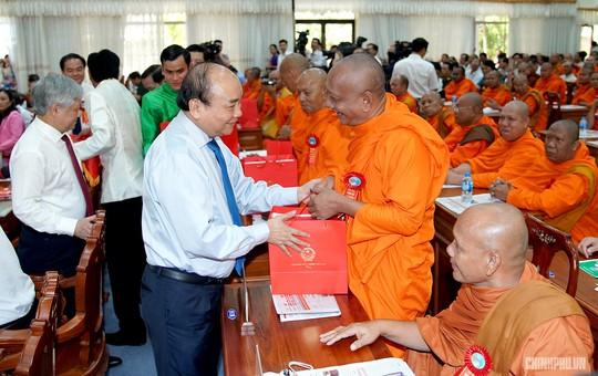Thủ tướng kêu gọi đồng bào Khmer tích cực xây dựng nông thôn mới - Ảnh 4.