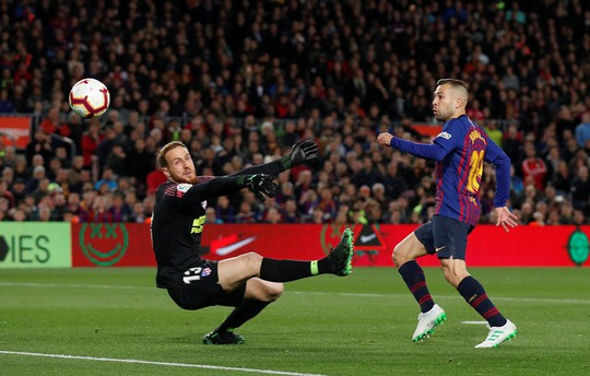 Thẻ đỏ Diego Costa định đoạt trận chung kết sớm La Liga - Ảnh 4.