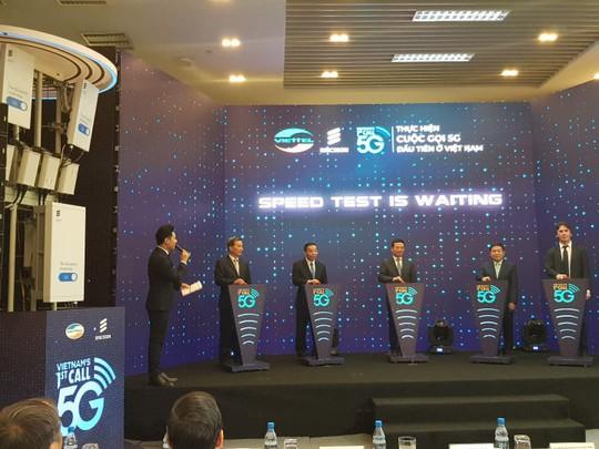 Viettel thực hiện cuộc gọi 5G đầu tiên tại Việt Nam, sử dụng công nghệ Ericsson - Ảnh 1.
