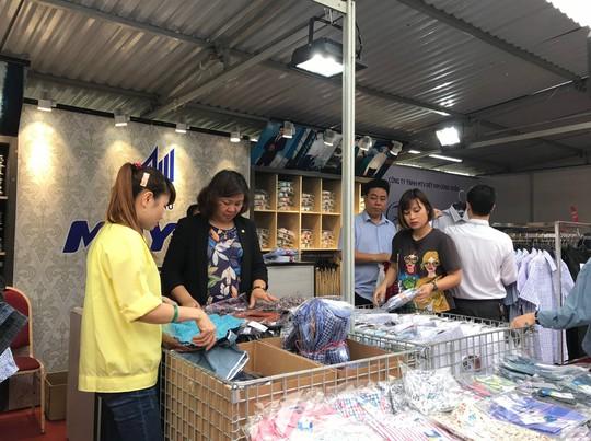 Tổng LĐLĐ Việt Nam tổ chức Phiên chợ Công nhân 2019 tại tỉnh Hà Nam - Ảnh 3.