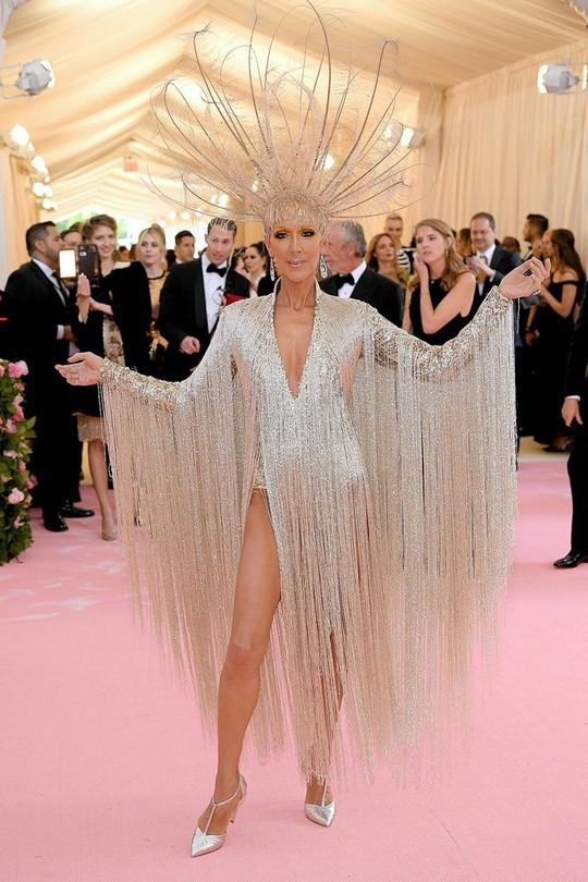Danh ca Celine Dion chia sẻ bí quyết tự tin với mặt mộc - Ảnh 1.