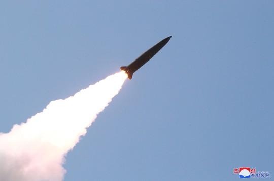 Dấu ấn Nga trong các tên lửa mới phóng của Triều Tiên - Ảnh 2.