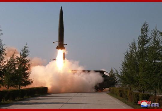 Dấu ấn Nga trong các tên lửa mới phóng của Triều Tiên - Ảnh 1.