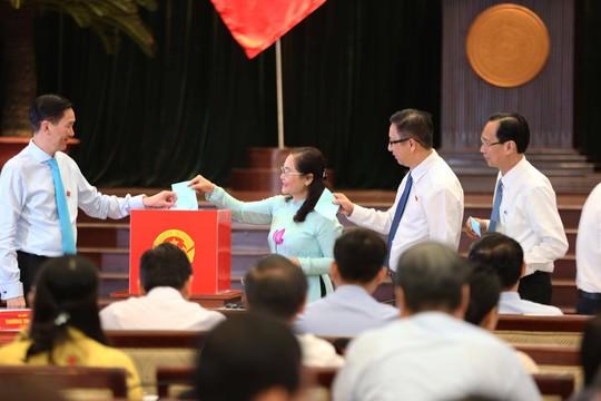 Thiếu tướng công an và Chánh Văn phòng UBND TP được bầu làm Phó Chủ tịch UBND TP HCM - Ảnh 2.