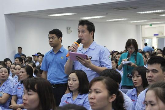 Lãnh đạo TP Hà Nội đối thoại với công nhân - Ảnh 1.