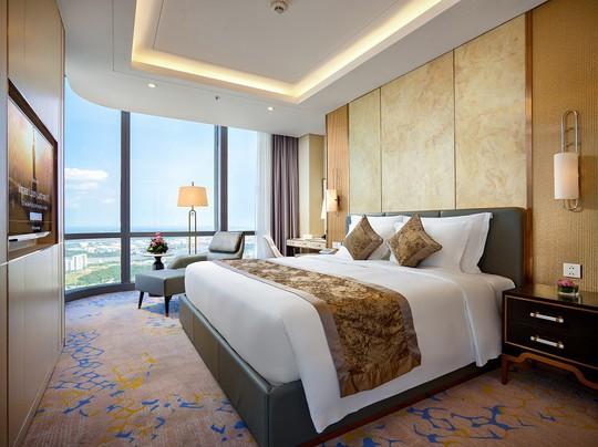 Có gì bên trong khách sạn siêu sang cao nhất Đông Nam Á? - Ảnh 3.