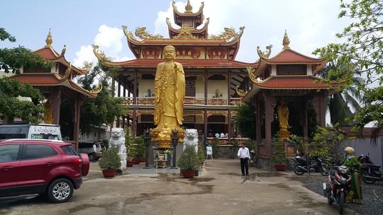 Long An: Tổ chức đám cưới trong chùa Phước Bảo - Ảnh 2.
