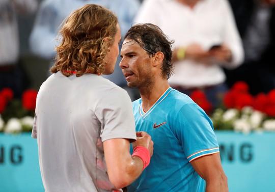 Nadal bị loại cay đắng, lỡ đại chiến với Djokovic - Ảnh 1.