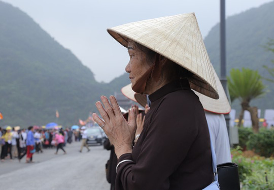 Hạng vạn người đổ về chùa Tam Chúc mừng đại lễ Phật đản Vesak 2019 - Ảnh 13.