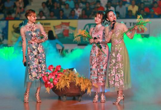 VTV Bình Điền Long An đánh bại Đại học Nam Kinh (Trung Quốc) - Ảnh 8.