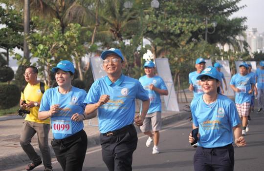 Giải việt dã 2.222 người của Yến sào Khánh Hòa lập kỷ lục Việt Nam - Ảnh 1.
