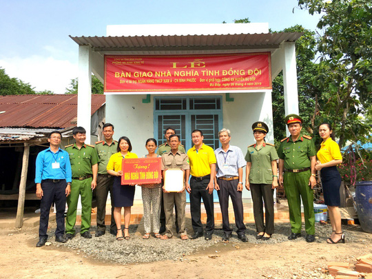 Nam A Bank chung tay vì người nghèo tỉnh Lâm Đồng - Ảnh 2.
