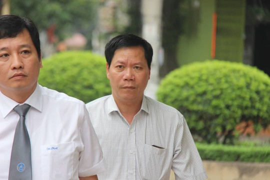 Hoang Cong Luong binh than den toa phuc tham bat ngo hoan