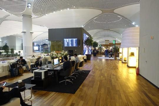 Phòng chờ như khách sạn 5 sao trong sân bay lớn nhất thế giới - Ảnh 4.