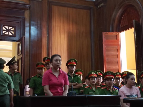 Tòa bất ngờ hoãng tuyên vụ Văn Kính Dương, quay lại phần xét hỏi - Ảnh 1.