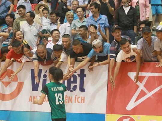 Chật vật vượt U23 Thái Lan, chủ nhà chạm tay vé bán kết - Ảnh 5.