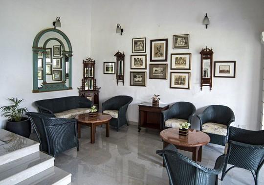 Choáng ngợp 8 khách sạn từng là cung điện xa hoa bậc nhất đất Phật - Ảnh 20.