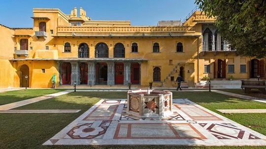 Choáng ngợp 8 khách sạn từng là cung điện xa hoa bậc nhất đất Phật - Ảnh 22.