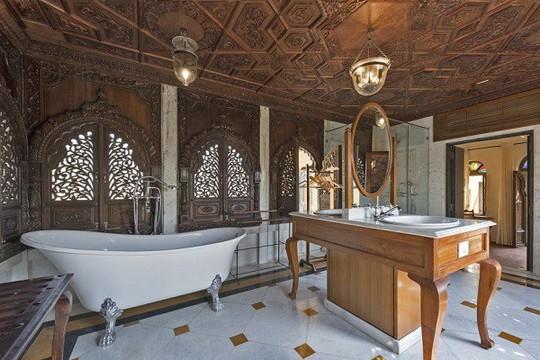Choáng ngợp 8 khách sạn từng là cung điện xa hoa bậc nhất đất Phật - Ảnh 24.